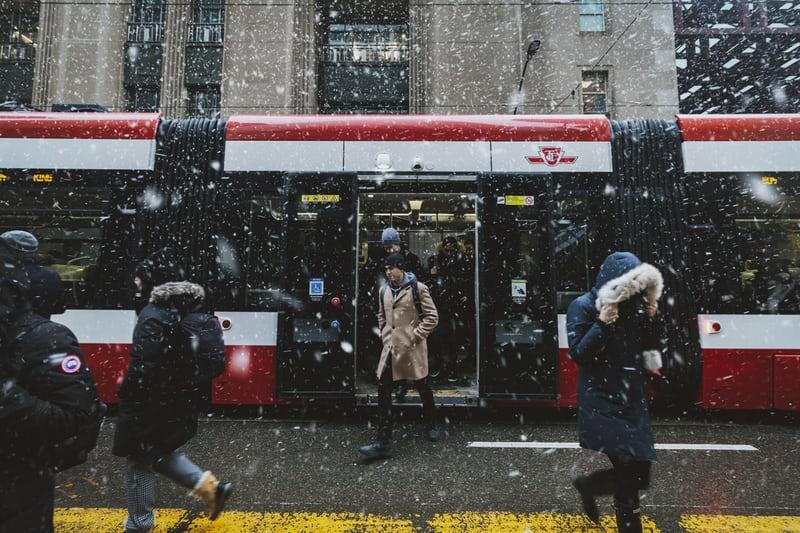 冬のカルガリー電車